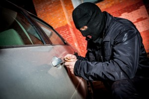 4963370-car-thief-in-a-mask